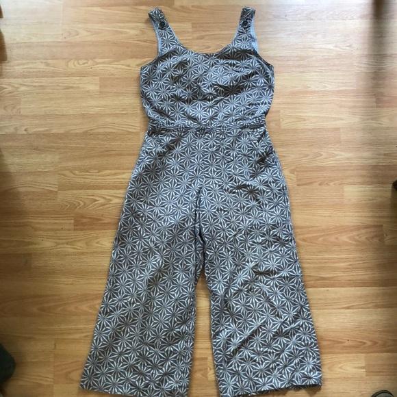 370b75995431 Anthropologie Pants - Cropped culotte tie back jumpsuit